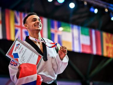 Watch Christian McNeish take the European title!